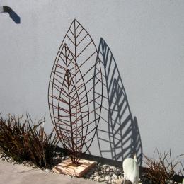 Three leaf  garden art