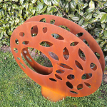 Circle leaf sculpture
